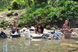 Lavando ropa en el rio - Jacagua,  Santiago de Los Caballeros  (5)