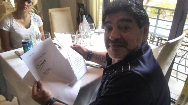 img 4622 Fidel Castro le escribe carta a Maradona