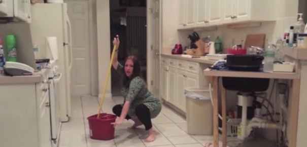 img 4975 Video   Jeva embarazada baila tan fuerte que rompe fuente