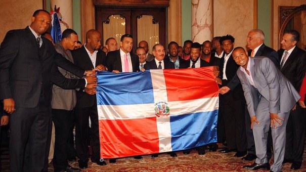 rd Mas fotos del presidente chillin con Gigantes del Cibao SFM