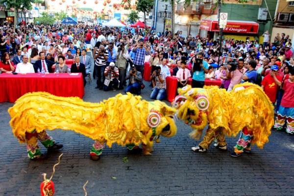 comunidad china en rd celebra llegada ano nuevo Video: Celebran llegada año nuevo chino en RD