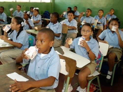 image73 Se intoxican 32 niños con desayuno escolar en Santiago