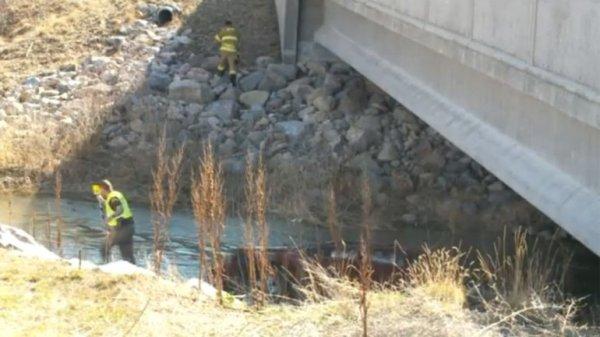 0012303747 Bebé sobrevive 18 horas dentro de un auto en un río helado