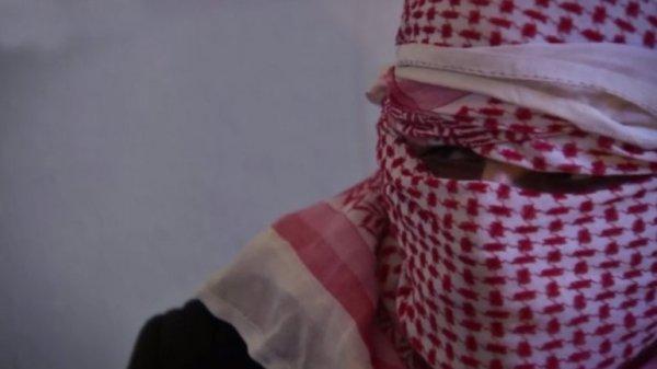 0012319934 Video: Chequea como ISIS endulza a los rehenes antes de matarlos