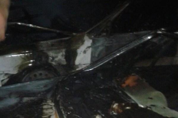 carro Explosión provoca se quemen tres carros en Santiago