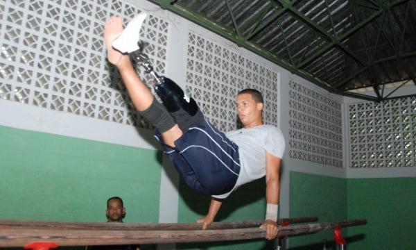 image60 José Luis Gutiérrez, el gimnasta con pierna de robot