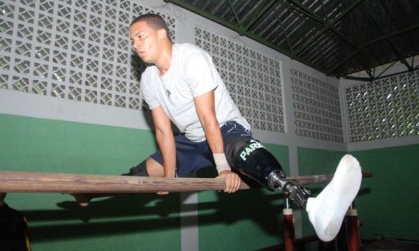 image61 José Luis Gutiérrez, el gimnasta con pierna de robot