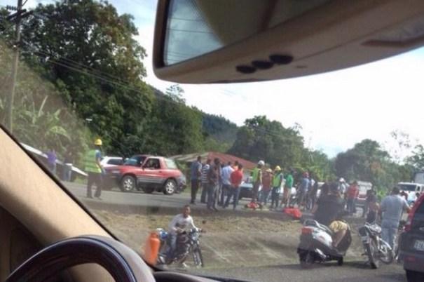 img 6794 Accidente de tráfico en Navarrete deja un saldo de cinco muertos