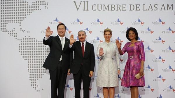 cumbre10 Foto: Primera Dama RD entre mejores vestidas de Cumbre Las Américas