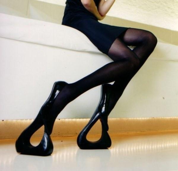 enhanced buzz 3825 1429560508 15 Fotos: Los zapatos de mujer más incomodos del mundo