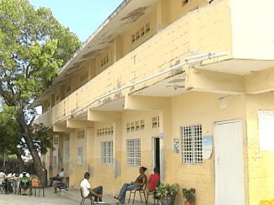escuela RD entre los países que no cumplen compromiso en educación