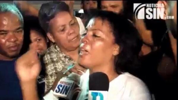 image209 Video   Azua de regocijo por corona de Francisca Lachapele