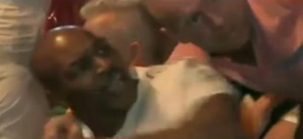 1fanmike Video   El codazo de Tyson a tipo intentó tirarse foto con él