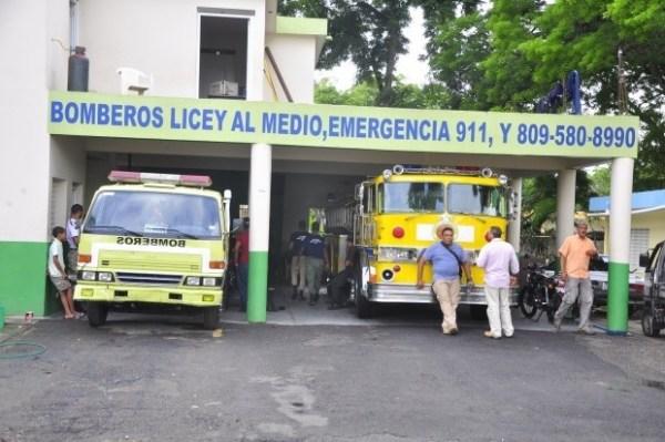 image564 Camión de bombero sirve de ambulancia en Licey, Santiago