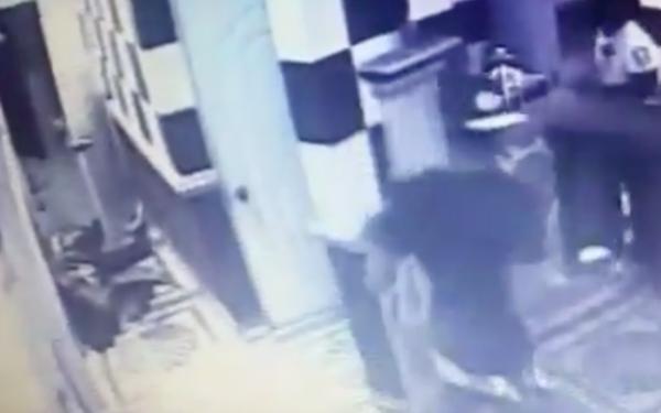 unnamed Captado en cámara asesinato de joven en discoteca