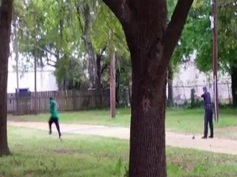 image157 Acusan a policía por muerte de afroamericano