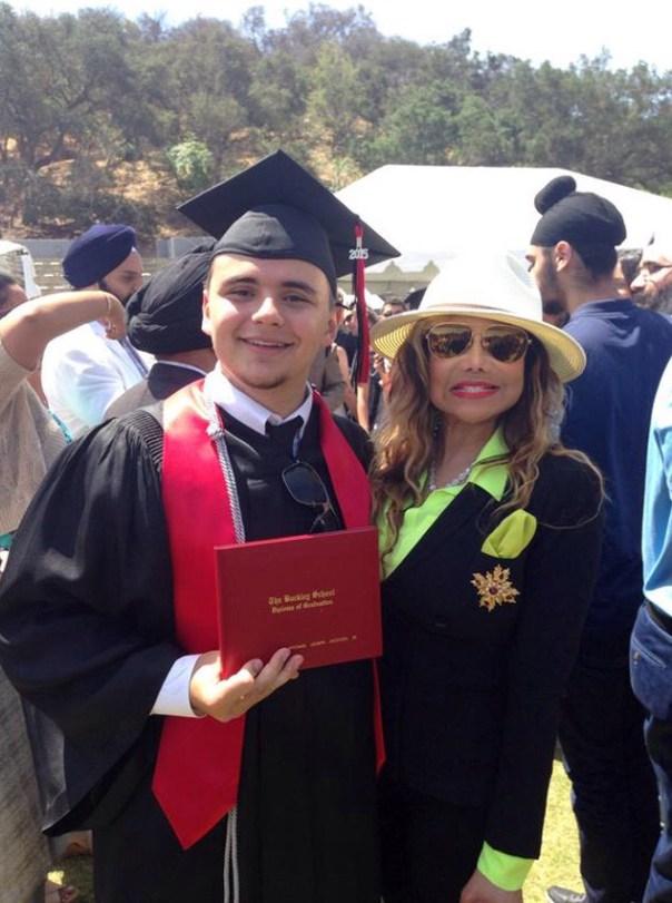 img 9338 Hijo de Michael Jackson se gradúa con honores
