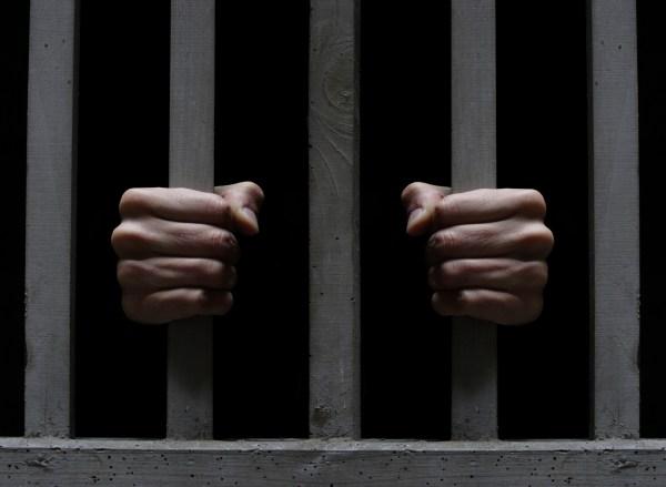 jail Meten preso ex general por abuso sexual a 13 menores