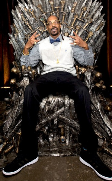 rs_634x1024-150322110909-634.Snoop-Dog-Game-Of-Thrones.jl.032215