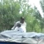 policia tabana comerciante VIDEO – Zumban policía que le dio dos tabaná a comerciante [RD]