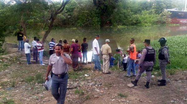 hombre puente Hombre se lanza puente Jacinto B. Peynado