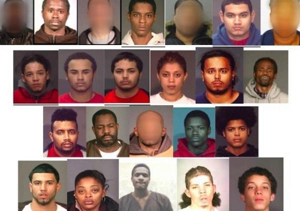 pandilla bronx Agarran a 27 pandilleros en El Bronx