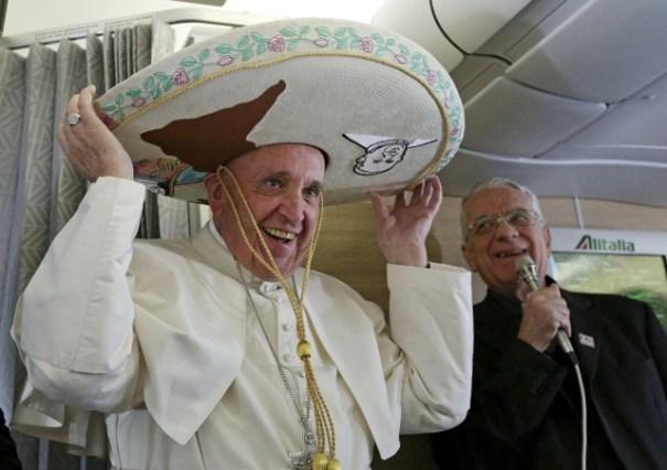papa-francisco-sombrero-mexicano