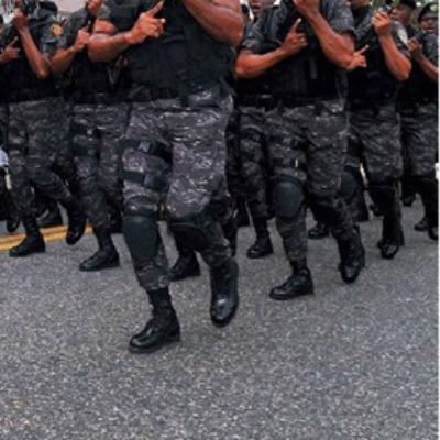 militares desfile