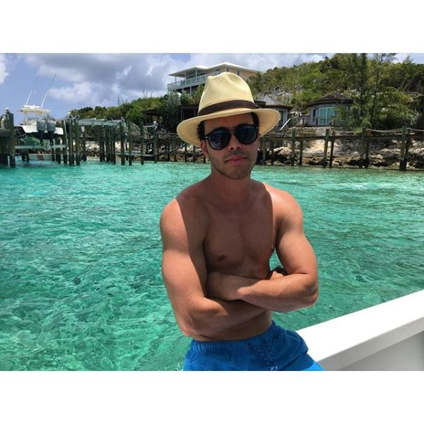 pr1 Fotos   Prince Royce presume musculatura en la playa