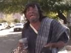 rafael Video   Indigente impresiona por cantar como Juan Gabriel