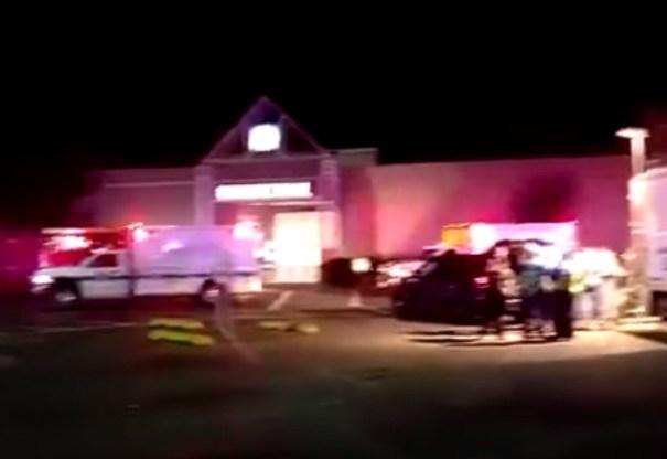 re Más sobre el tiroteo en Mall de EEUU