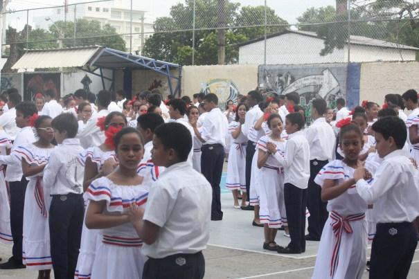 img 1213 Fotos   Bailando merengue tradicional