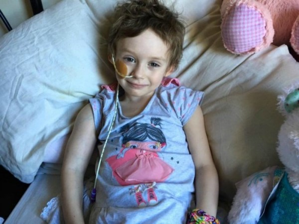 jessica whelan2 La foto que rompió millones de corazones; niña pierde la batalla contra el cáncer