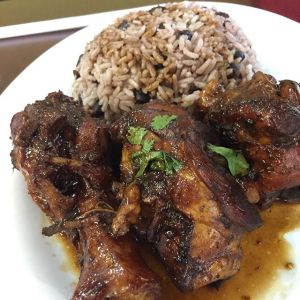 mete Comida de las 12:Moro de habichuelas y pollo guisado