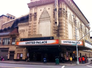 up NY: United Palace declarado Monumento Histórico. Mira como esto puede afectar a los dominicanos