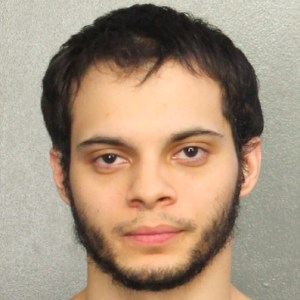 esteban Dentro del caco del presunto autor del tiroteo en Fort Lauderdale