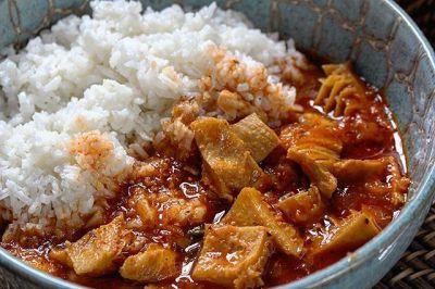 foto de wildly wild red https 2f2fwww instagram com2fp2fbptdop bg0j2f Comida de las 12: Mondongo y arroz blanco