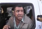 santiago5 Tiros, bombas, secuestro... Lío en mercado de pulgas