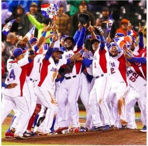 platano Otra victoria: Dominicana 10, Colombia 3