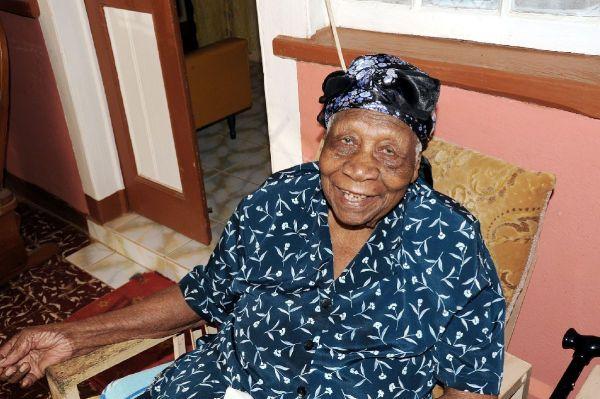 dona2 Esta doña se convirtió en la nueva persona más anciana del mundo