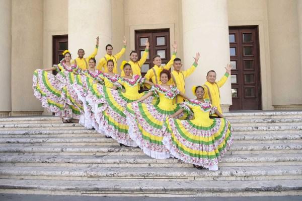 jc3b3venes discapacitados Jóvenes discapacitados brillan en la danza, baile y canto coral