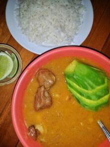 sancocho Comida de las 12: Sancocho, arroz y aguacate