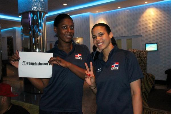 m1 Dos fotos de las matatanas del voleibol dominicano