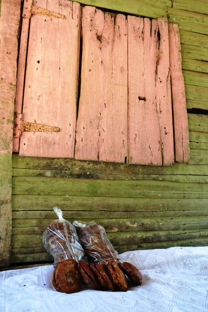 Ventana y coconetes- Fotos por Timoteo Estevez - www.remolacha.net