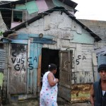 casa pobreza en hoyo de julia 150x150 Juran que dizque la pobreza se redujo 11.8% en RD