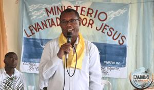 Blas Peralta 1 300x177 Video   Blas Peralta se convierte al evangelio