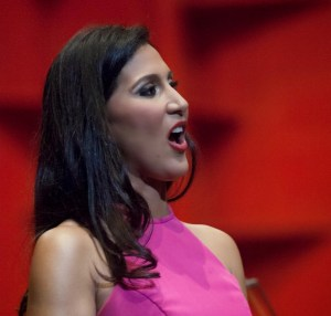 DSM7073 300x286 La dominicana que canta en la Ópera de Viena
