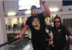 Hulk Hogan 300x208 Hulk Hogan: Ric Flair está mejor gracias a Dios
