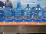 botellon caasd 150x113 En escuelas y hospitales se beberá agua de la CAASD