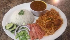 comida 1 300x171 Comida de las 12: Arroz, habichuelas, espaguetis, albondigas y ensalada